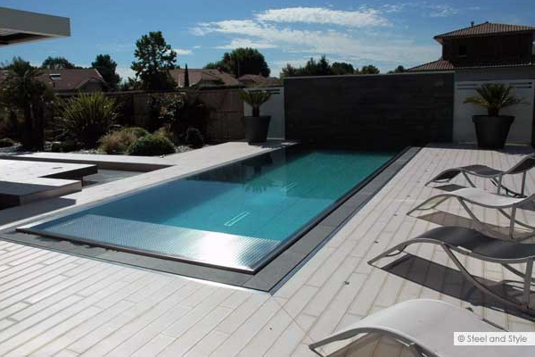 Des innovations piscine en lumi re for Prix piscine diffazur