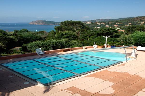 Les abris de piscine un accessoire multifonctions for Accessoire abri piscine