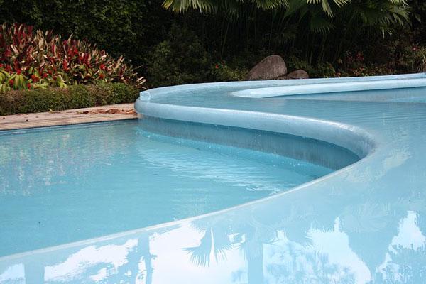 les diff rents rev tements pour piscines. Black Bedroom Furniture Sets. Home Design Ideas