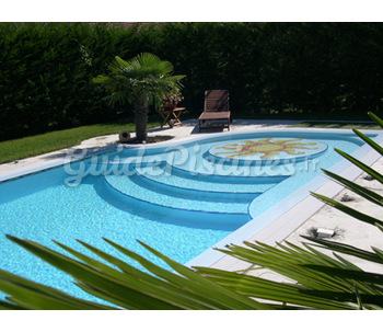 Escalier roman plage de 3m de diametre for Piscine 3m de diametre