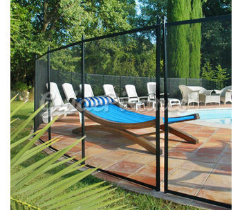 barri res de piscine. Black Bedroom Furniture Sets. Home Design Ideas