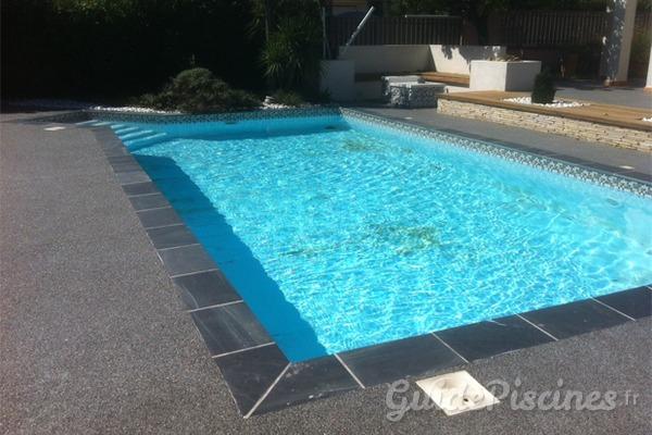 margelles et dallages comment choisir les meilleures finitions pour votre piscine. Black Bedroom Furniture Sets. Home Design Ideas