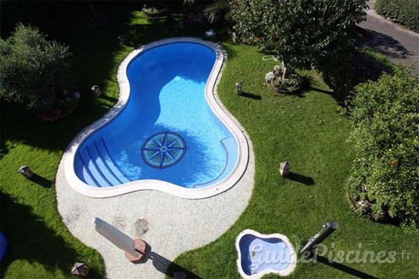 Piscine forme haricot images - Forme de piscine creusee ...