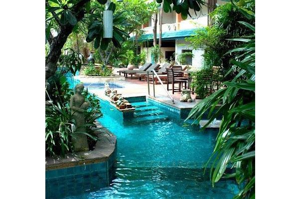 Des astuces pour am nager votre piscine for Amenager un grand jardin