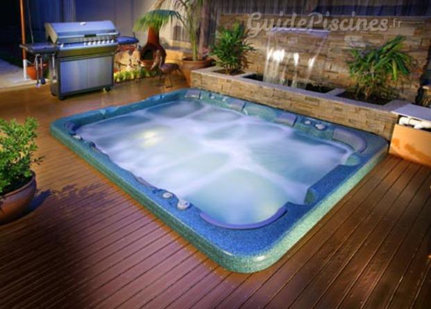 Photos de design piscines 47 for Design piscine 47