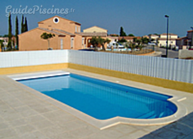 Piscine coque polyester loire atlantique for Budget piscine coque