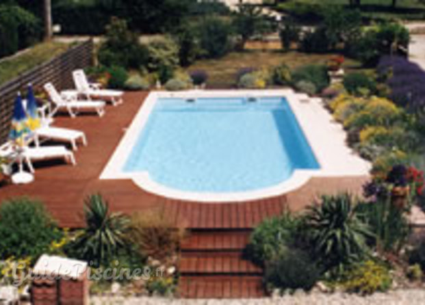 piscine en bois is re On piscine coque polyester isere