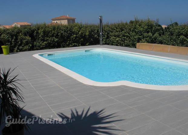 Corse escale piscine cps for Accessoire piscine 07