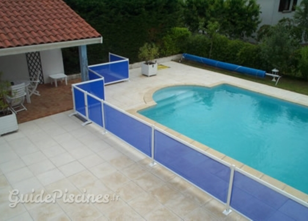 Photos de isyclos for Barrieres protection piscine