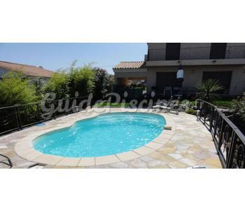 Piscines polyester pages 7 for Prix piscine haricot