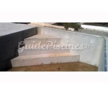 Escalier d 39 angle en b ton - Escalier d angle piscine beton ...